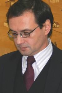 Eugen Mogos apia