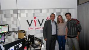 Prefectul Florin Sinescu, Luisa și Călin în studioul Viva FM
